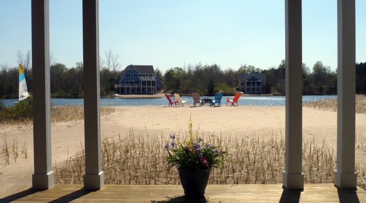 Lakefront Vacation Homes Near South Haven Michigan
