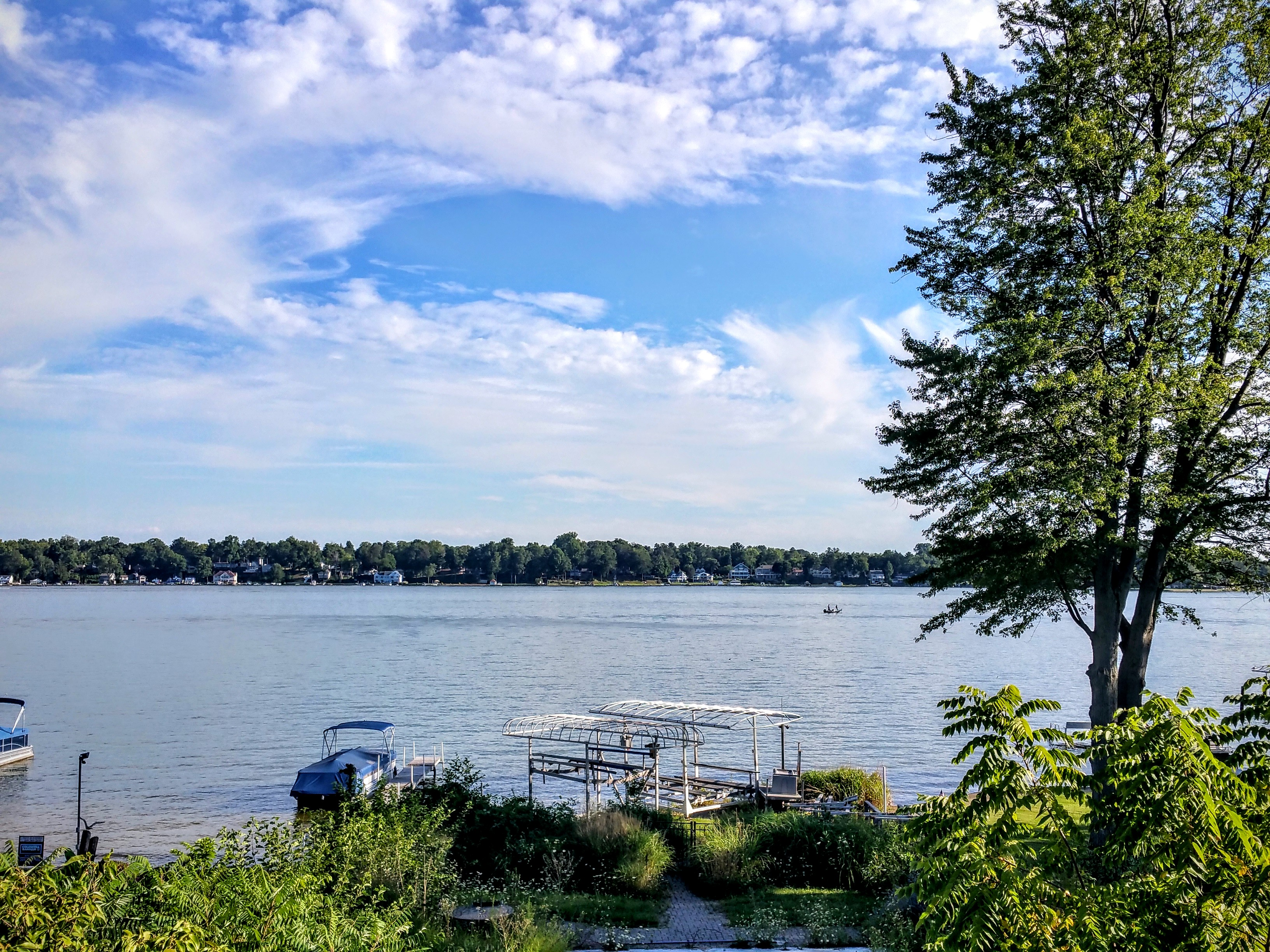 Paw paw lake lakefront home for sale coloma michigan for Lake front properties
